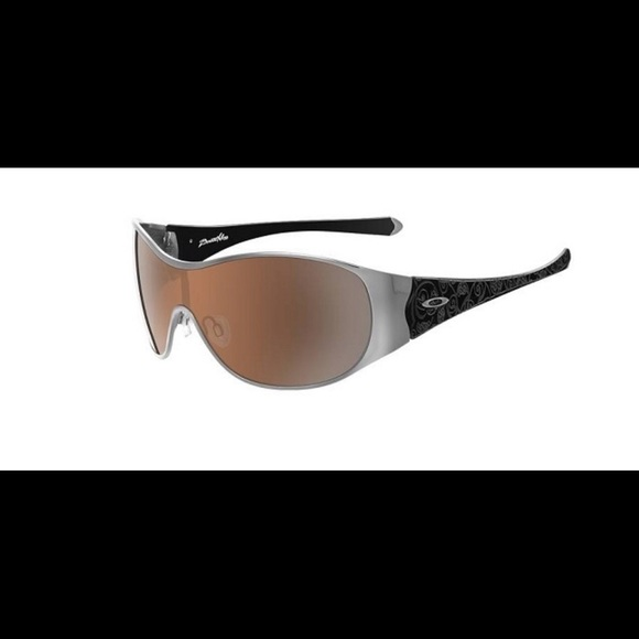 ff2a7f3596c Oakley breathless sunglasses. M 5b6613c2e9ec89e965561d28